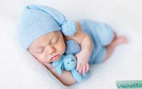 هل كثرة النوم من علامات الحمل بولد